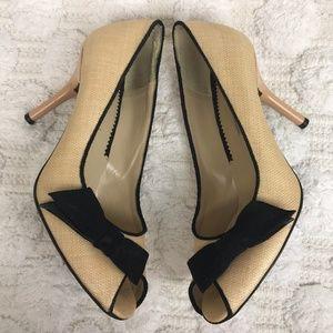 Via Spiga Tan Raffia Black Bow Peep Toe Heels